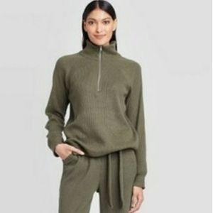 Turtleneck half zip sweatshirt green